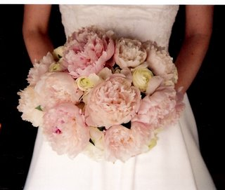 fluffy-peony-bouquet.jpg