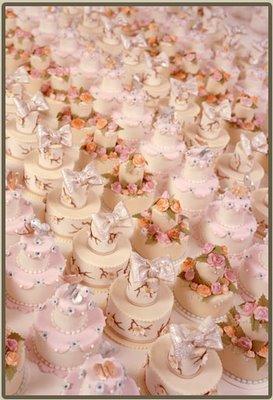 pink-mini-cakes.jpg