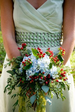 Blue-and-Red-Fall-Bouquet