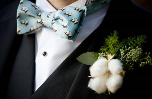 Cotton-Boutonniere