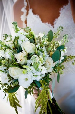 Rustic-White-and-Green-Bouquet