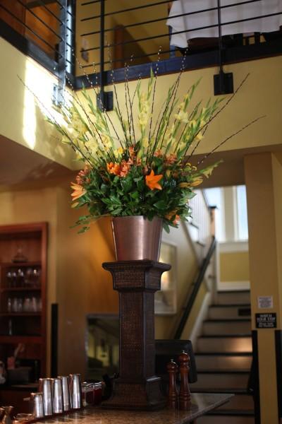 orange-and-yellow-tropical-large-flower-arrangement