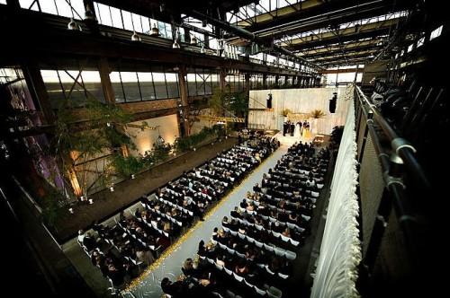 philadelphia-urban-outfitters-warehouse-wedding-ceremony