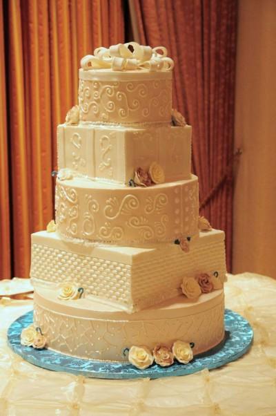 organic wedding cake