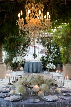 roses-in-chandelier