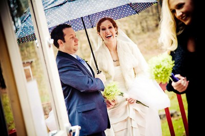 cute-umbrella-wedding
