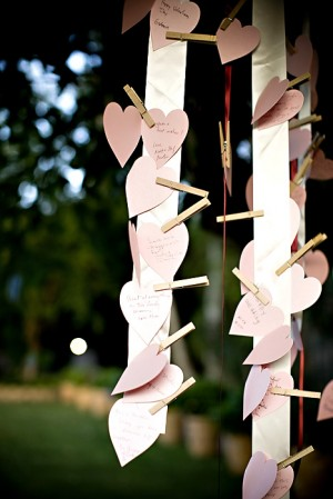 heart-clothesline-guestbook-1
