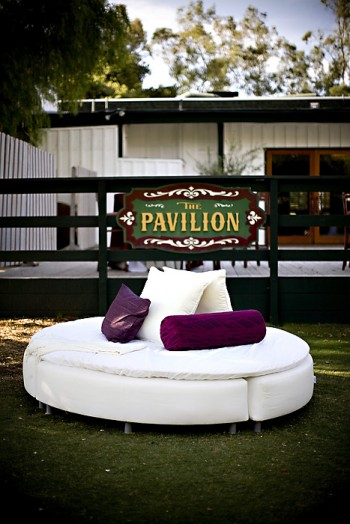 white-outdoor-lounge-furniture