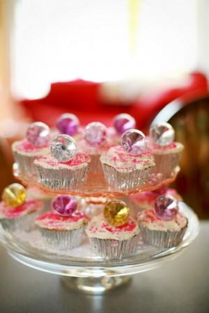 bridal-shower-cupcakes