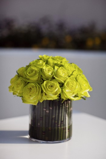 bamboo-chartreuse-rose-centerpiece
