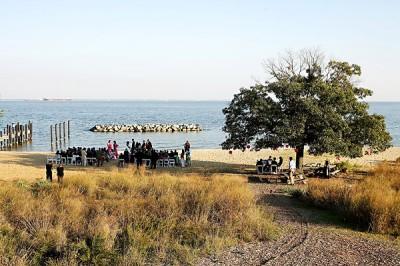 beachside-ceremony