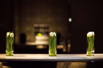modern-tulip-arrangements