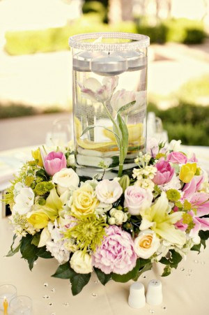 pink-yellow-white-centerpiece-floating-candles