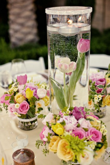 pink-yellow-white-centerpiece-floating-candles-submerged-flowers