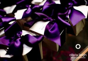favor-boxes-purple-ribbon