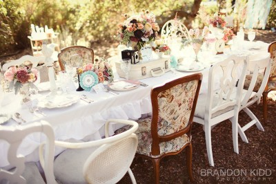 french-vintage-inspired-tablescape-pink-green-blue