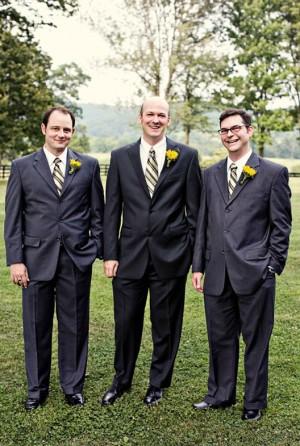groomsmen-sunflower-boutonnieres