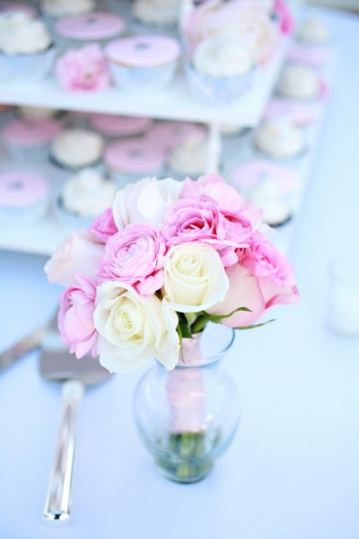 pink-and-white-cupcake-tower2
