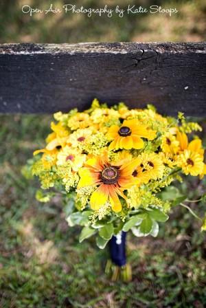 yellow-sunflower-bouquet