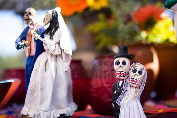 El Dia de los Muertos Wedding Decor