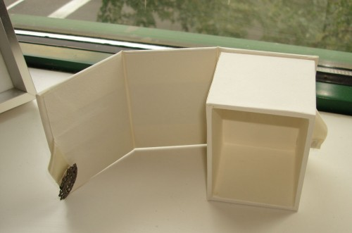 finished-drop-spine-box-with-magnetic-closure