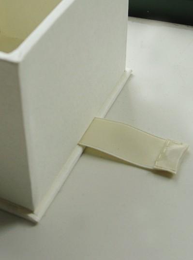 magnetic-closure-drop-spine-box