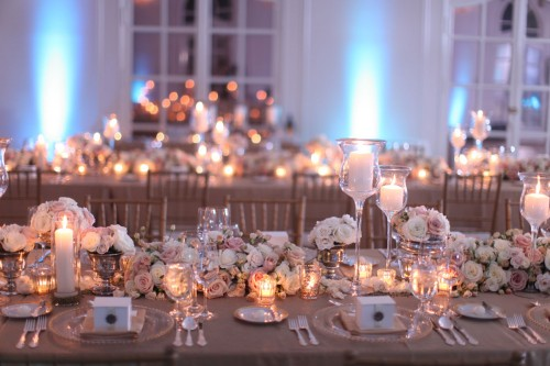 white-cream-gold-blush-estate-table-centerpieces