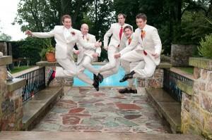 groomsmen_jumping