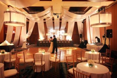 ballroom-draped-in-white-fabric