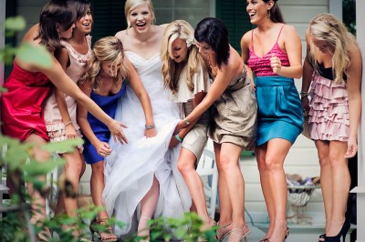 bride-and-girlfriends