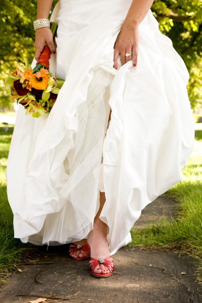 bride-in-red-shoes