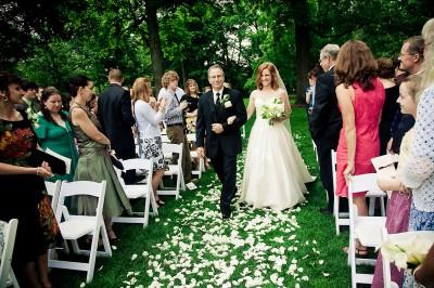 bride-walking-down-aisle