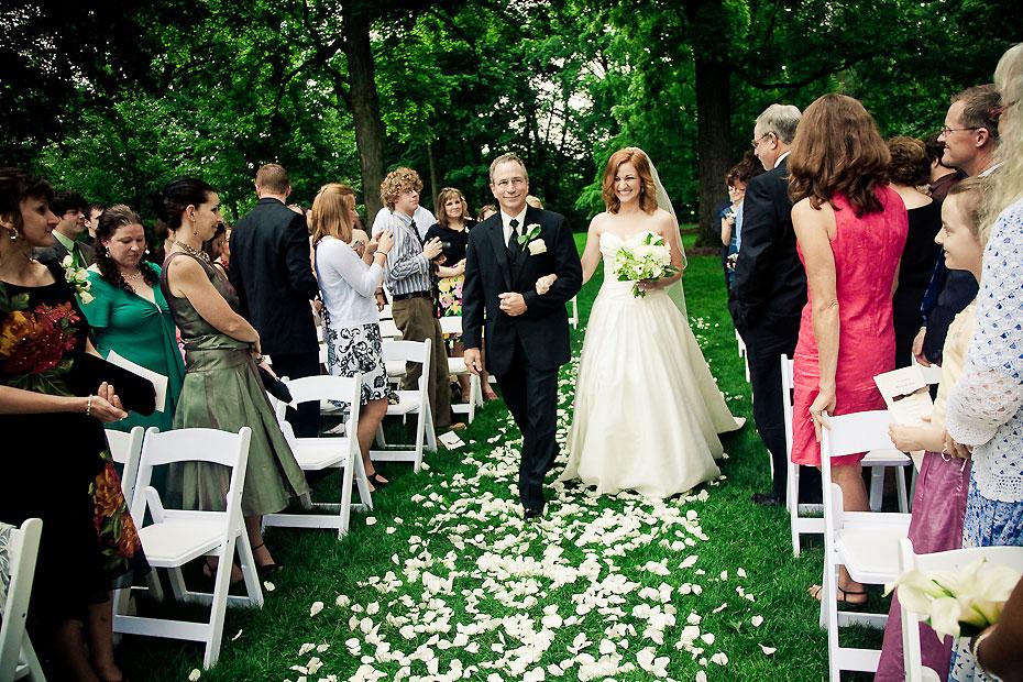 Wedding Songs Walk Down Aisle Church: Bride Walking Down Isle
