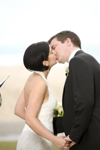 ceremony-first-kiss