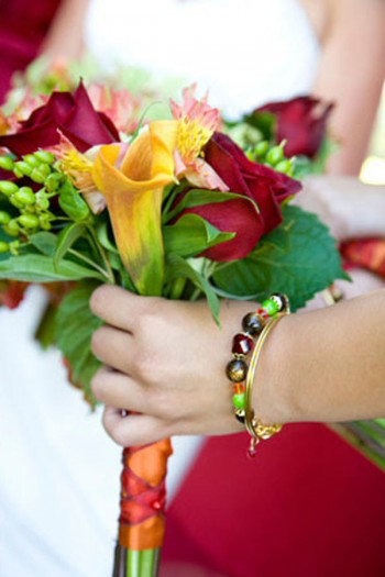 custom-bridesmaids-bracelets