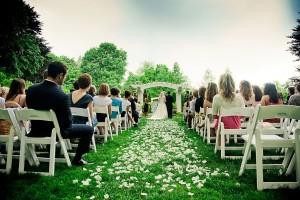 indianapolis-museum-of-art-garden-wedding-ceremony