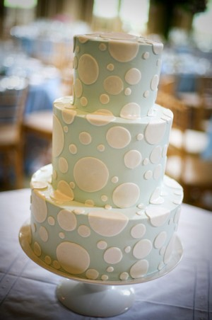 light-blue-three-tier-cake-with-white-dots-jim-smeal