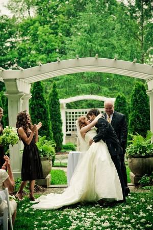 rain-during-wedding-ceremony
