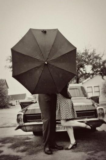 vintage-engagement-session-classic-car