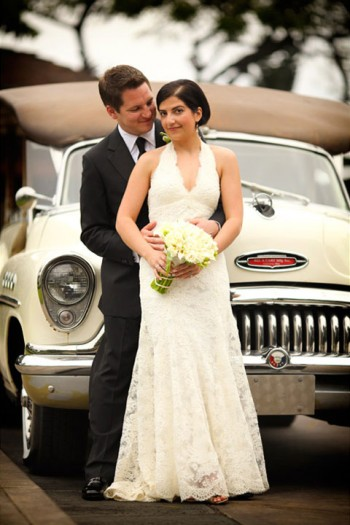 wedding-portrait-in-front-of-classic-car