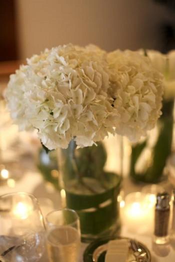 white-hydrangea-centerpieces