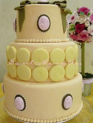 yellow_macaron_macaroon_wedding_cake