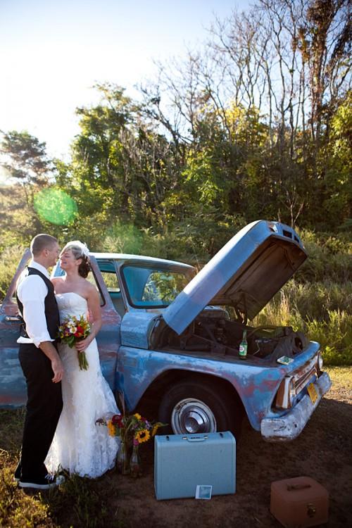 antique-truck-wedding-photos