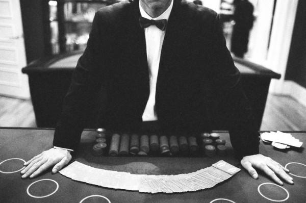blackjack-dealer-wedding
