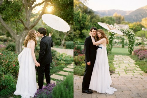 bride-and-groom-under-parasol-jose-villa
