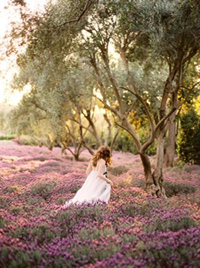 bride-in-lavender-field