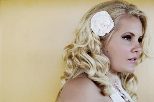 bride-white-hair-flower1