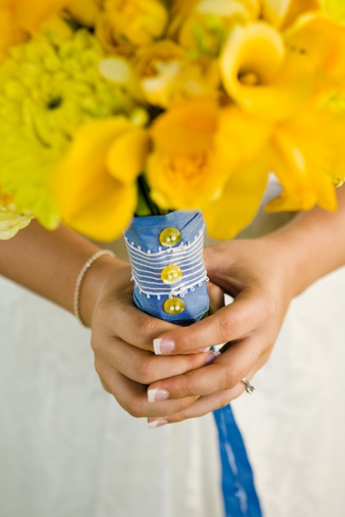bright-wedding-bouquet