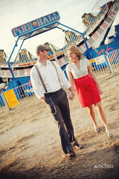 carnival-fair-engagement-photos