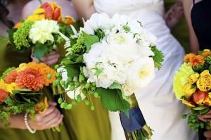diy-bouquets-white-peach-yellow